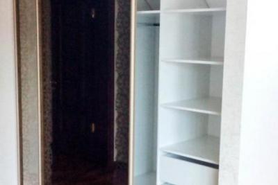 Шкаф в мансарду