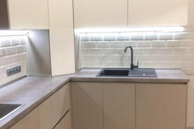 спрятать трубы на кухне