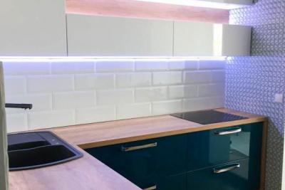 ниши с подсветкой в кухне