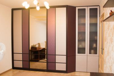 Шкаф в гостиную комнату