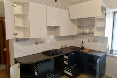 кухня с фурнитурой blum в Твери