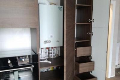 система хранения в кухонных колоннах