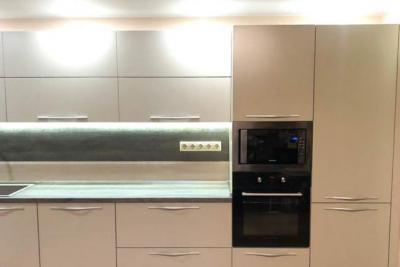 Современная кухня, горизонтальные шкафы, на заказ в твери